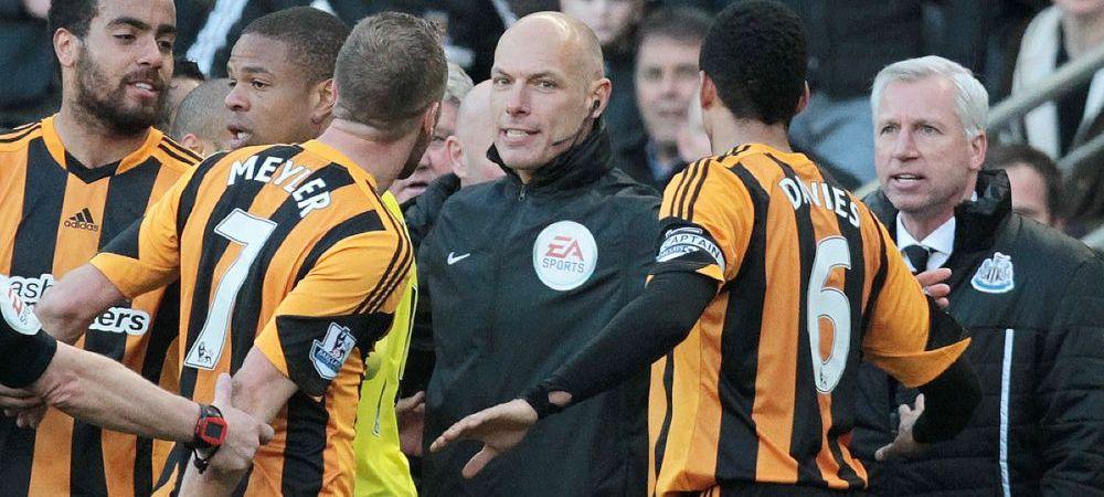 Suspendare dura pentru Alan Pardew? Antrenorul-huligan a primit si o amenda uriasa din partea sefilor! VIDEO: cum a lovit un fotbalist cu capul