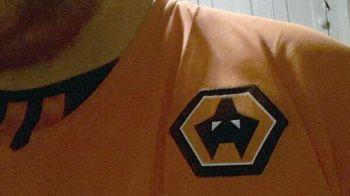 Si-a comandat un tricou al echipei favorite de pe net, dar a primit asta in schimb! Ce scrisoare fantastica i-a trimis apoi clubul
