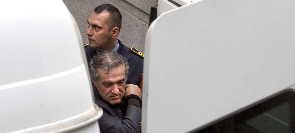 """Ultima decizie a lui Gigi Becali din inchisoare! """"Nu vrea sa le dea atat de multa putere!"""" Ce i-a transmis lui Reghe"""