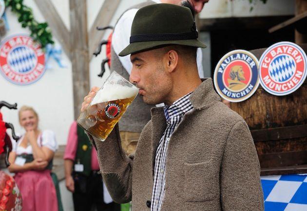 """Unora trebuie sa le dai un gin tonic sa bea!"" Metodele TRAZNITE pe care le foloseste Pep Guardiola:"