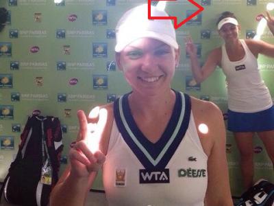 Photobombing level MAX! :) Simona Halep si Casey Dellaqua, in cea mai tare fotografie de la Indian Wells! Ce a facut australianca dupa infrangerea in fata Simonei