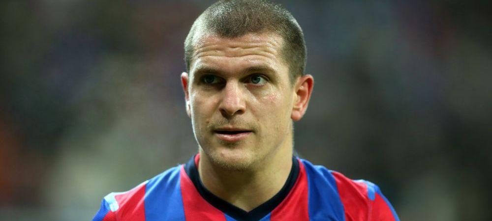 Bourceanu l-a umilit pe Roberto Carlos! Trabzonspor, cu fostul capitan al Stelei in teren, a distrus echipa antrenata de starul brazilian