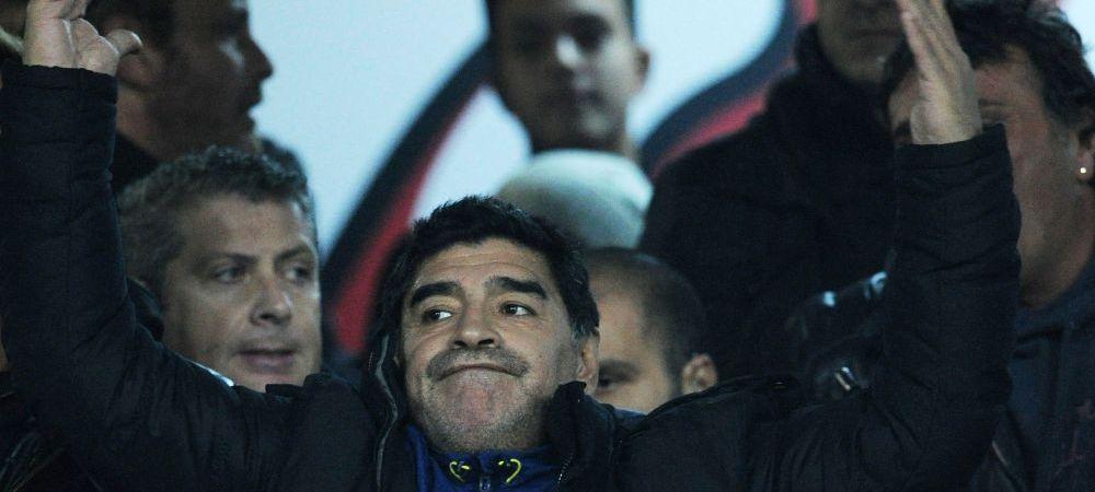 Grumpy Diego :) Maradona a vazut pe viu cum Man United a fost calcata in picioare de Liverpool, un fan i-a cerut sa faca SELFIE. A iesit o imagine de milioane
