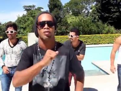 Nu ti-ai imaginat NICIODATA ca Ronaldinho va face asta! Ultima sa aparitie in Brazilia i-a creat probleme uriase