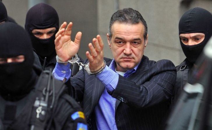 "ULTIMA ORA! Incident INCREDIBIL cu Becali la Tribunal: ""Ce ai ma cu mine?"" Cine l-a BRUSCAT pe patronul Stelei"