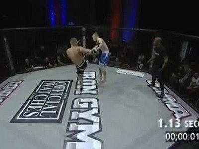 Cel mai rapid KO din istoria MMA! A cazut inconstient dupa O SECUNDA! Lovitura incredibila care l-a trimis in lumea viselor. VIDEO