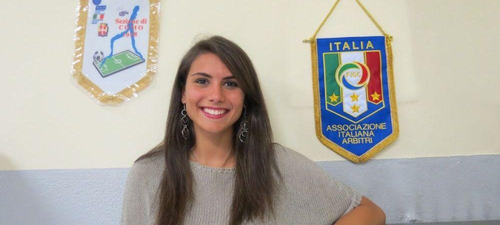 Noul trend in Italia! Oficialii au angajat modele pe post de arbitrii pentru a umple tribunele