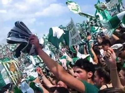 Imagini fara egal la un meci de fotbal din Italia. Ce a patit acest barbat dupa ce sotia l-a prins cu amanta pe stadion
