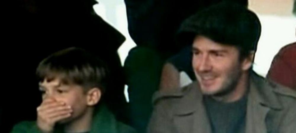 NO COMMENT! Beckham nu a crezut ce vede! Cum a reactionat alaturi de copilul sau la golul lui Rooney de la mijlocul terenului