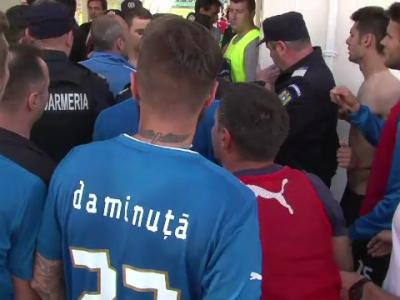 Jucatorii lui Hagi au cedat nervos! Bataie intre fotbalisti dupa meciul Viitorului! Jandarmii au intervenit de urgenta! VEZI IMAGINI