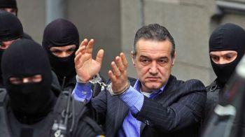 Gigi Becali si-a luat cel mai tare BODYGUARD la Poarta Alba! Vezi cine e omul care il pazeste in inchisoare: