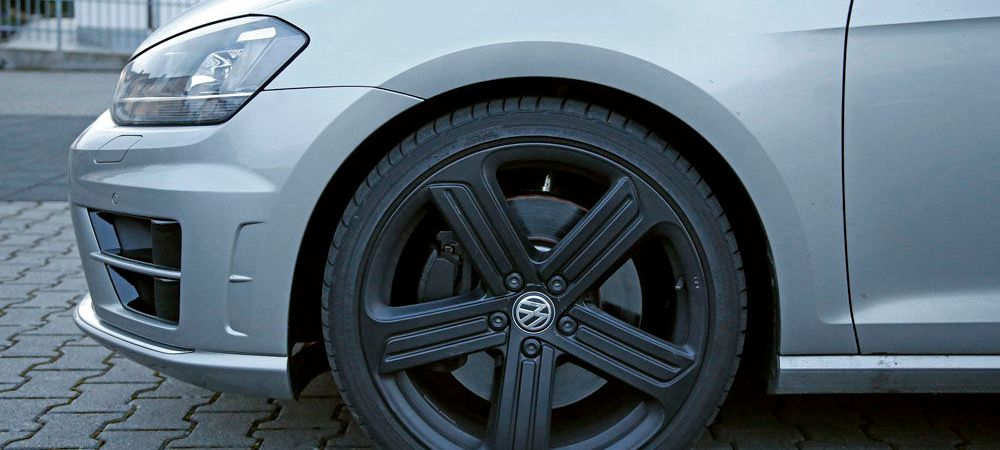 FOTO Un nou Golf, gata de lansare! A fost surprins la testele Volkswagen! Primele imagini: