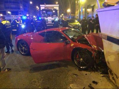 Descoperire uluitoare a Politiei! Un Ferrari de 250.000 de euro a fost gasit abandonat in mijlocul strazii! Vezi motivul