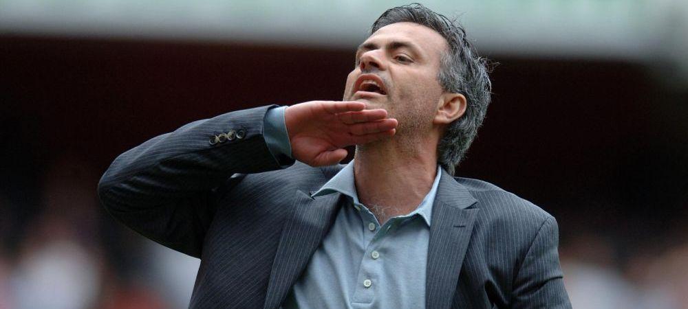 Mourinho a mai facut una! A scris pe hartie ce vrea sa TRANSFERE din vara! Ziaristii au ramas interzisi! FOTO