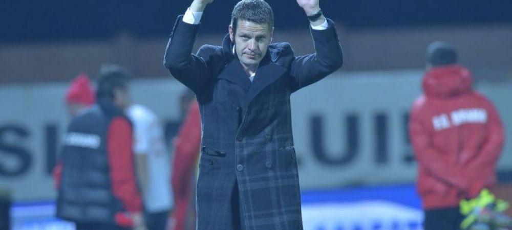 """Stoican s-a certat cu fanii la pauza! """"Cel mai important este ca am revenit!"""" Repriza FANTASTICA facuta de Dinamo"""