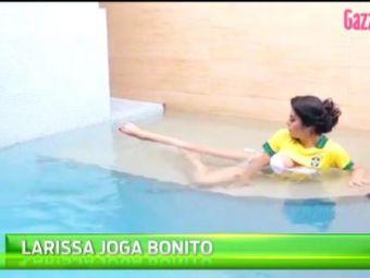 Larissa Riquelme s-a dezbracat pentru vedetele Braziliei! Super aparitie pentru cea mai sexy fana de fotbal din lume