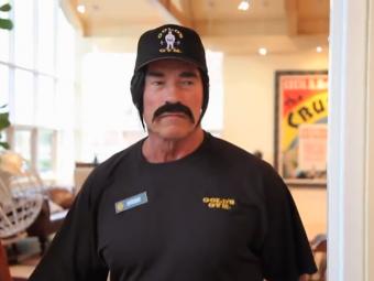 Tu l-ai fi recunoscut? Arnold Schwarzenegger, CATERINCA maxima in sala de forta! Cum s-a distrat pe seama clientilor: VIDEO