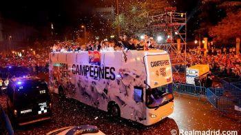 SARBATOARE la Madrid! Fanii au iesit pe strazile orasului! Cele mai tari imagini de la ceremonia Realului