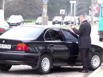 IREAL! Ce patesti in Moldova daca parchezi neregulamentar masina! VIDEO