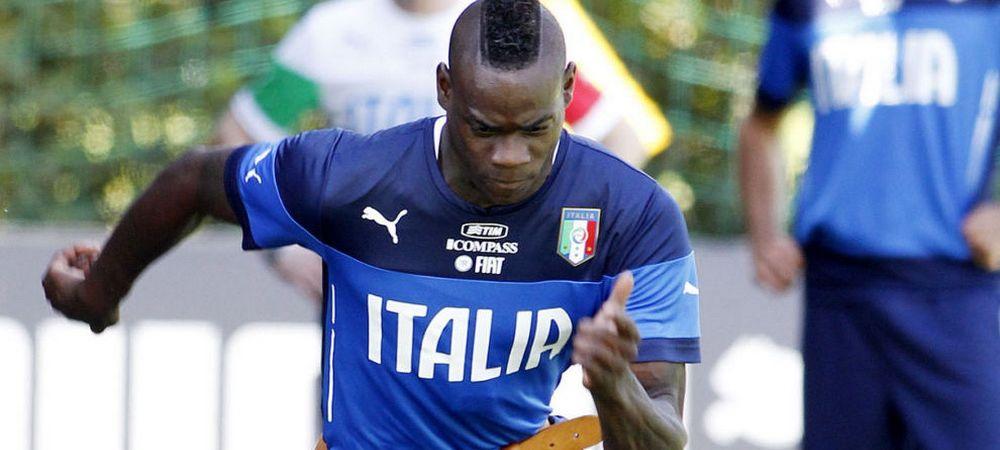 Mario Balotteli, insultat de italieni in timpul antrenamentelor de la Coverciano! Cum a reactionat dupa ce a fost facut 'cioroi':