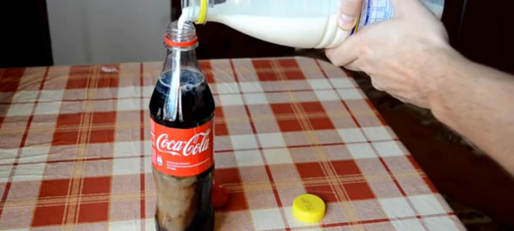 Experiment bizar! Ce se intampla atunci cand pui LAPTE in Cola! Rezultatul este INCREDIBIL: VIDEO