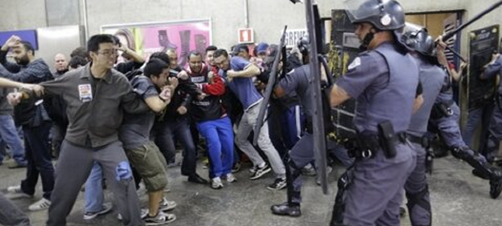 Asa arata Sao Paolo cu 6 zile inainte de mondial! Grava la metrou, proteste si batai teribile cu politistii: VIDEO