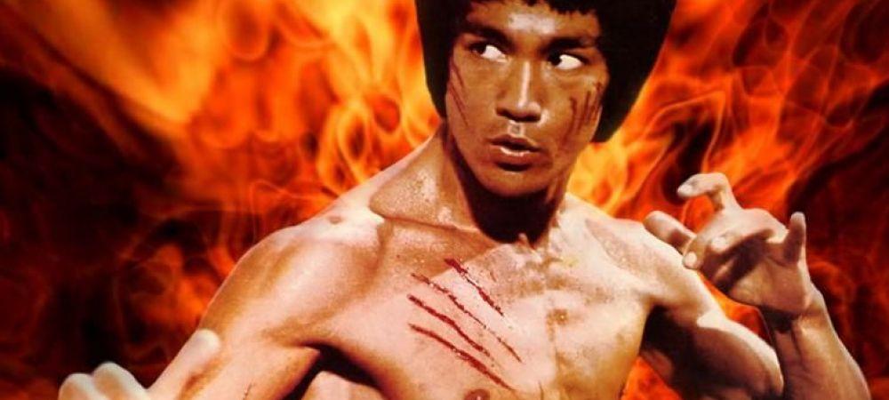 """""""Pumnul de fier"""": Asta-i probabil cel mai tare tatuaj pe care l-ai vazut vreodata! Ce si-a desenat in cinstea lui Brucee Lee FOTO"""