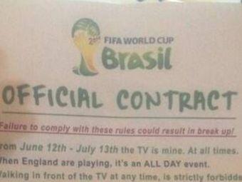 """Si-a pus sotia sa semneze un contract pentru Campionatul Mondial: """"Nu ma intrebi de ofsaid si umpli frigiderul cu bere"""" :)"""