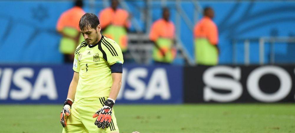 Momentele nestiute din vestiarul Spaniei. Cum l-a gasit Del Bosque pe Casillas in vestiar dupa umilinta cu Olanda