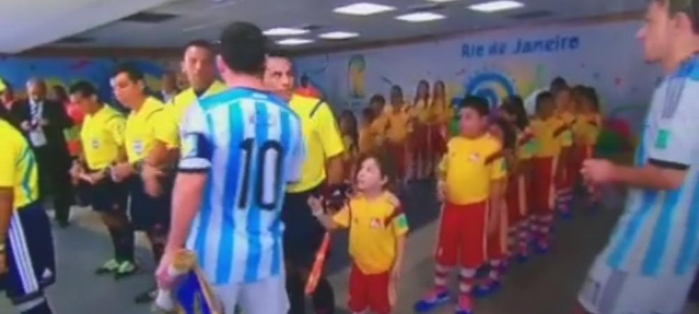 Faza incredibila a lui Messi INIMA-DE-PIATRA! Ce a facut cand a vazut un copil ca vine sa dea mana cu el - VIDEO