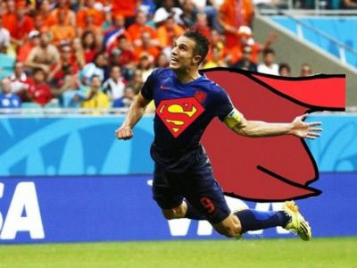 SUPER TARE :) Golul formidabil marcat de Van Persie cu Spania, refacut de un roman la FIFA 14! VIDEO: