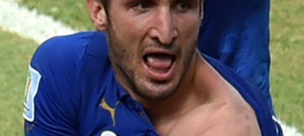 Imaginea zilei la Mondial! Dupa ce a patit-o cu Suarez, Chiellini a fost muscat din nou. FOTO aici
