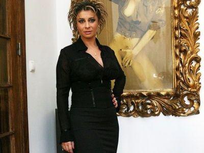 Anamaria Prodan a ramas SINGURA in Romania! Ce face SEXY IMPRESARA dupa plecarea lui Reghe la arabi! SUPER FOTO