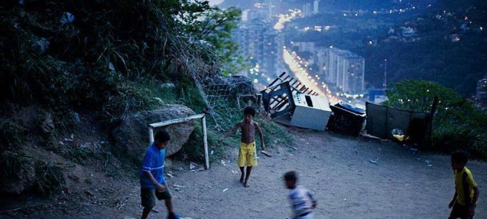 Imagine de senzatie pe Copacabana! Ce au facut fanii Braziliei in ziua meciului cu Chile