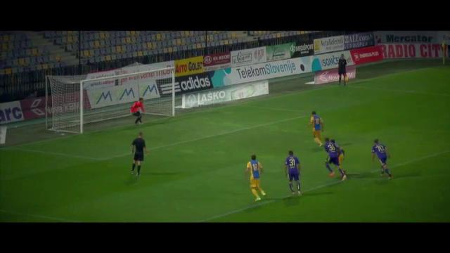Reactia lui Cosmin Contra dupa ce a vazut golul fabulos din panenka reusit de Mutu in ultimul amical al Petrolului. VIDEO