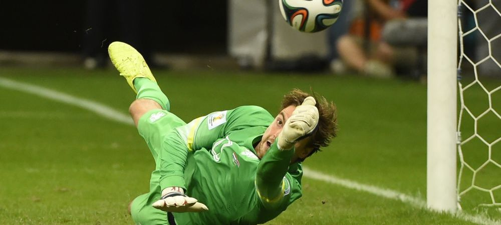 """Facea ca o maimuta!"" Reactii incredibile din Romania dupa schema geniala gandita de van Gaal la Mondial cu Krul la penaltyuri"