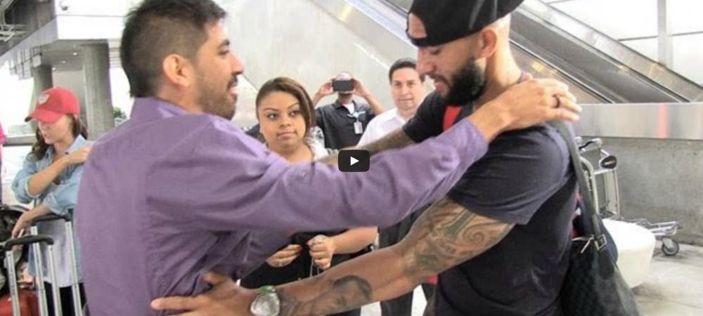 Omul RECORD de la Mondial s-a intors acasa! Un fan a incercat sa-l ia in brate pe aeroport! Cum a reactionat Howard