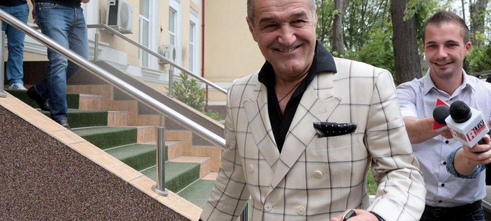 Dezvaluiri din penitenciar: Becali ii scoate din minti pe gardieni, Gica Popescu a facut un gest INCREDIBIL