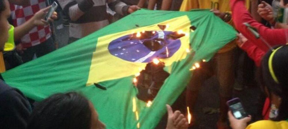 Scena cutremuratoare: fanii au dat foc steagului Braziliei, un autobuz a fost incendiat! Imaginile dezastrului