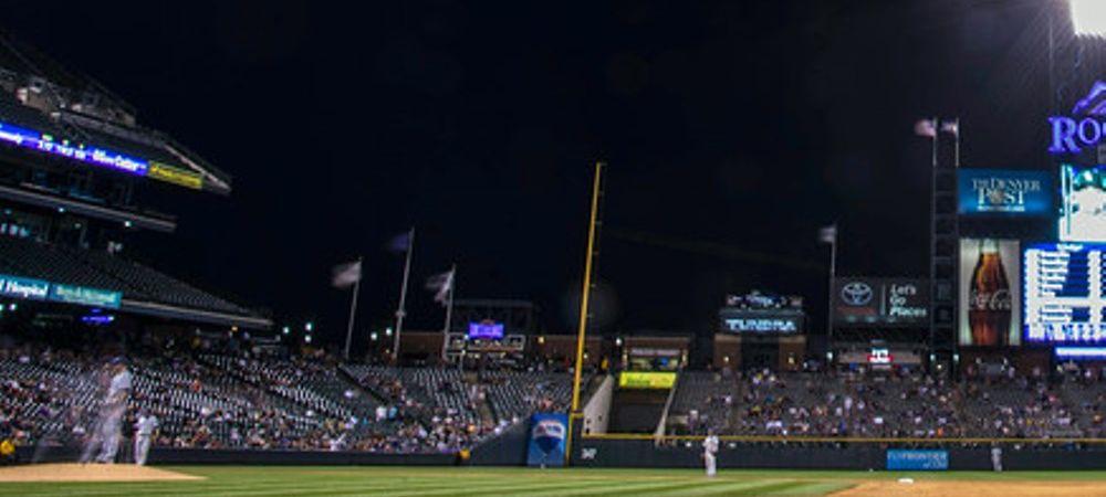 Imaginea saptamanii in timpul unui meci! Ce au vazut pe cer spectatorii prezenti pe stadion. FOTO