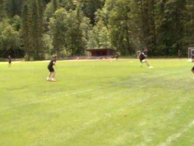 VIDEO! Nimeni la Mondial nu a visat vreodata ca va marca asa, el a reusit-o la un antrenament! Cu calcaiul, pe spate, in VINCLU