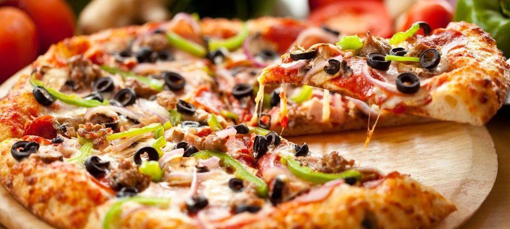 """Cum arata barbatul care a mancat PIZZA in fiecare zi a ultimilor 25 de ani: """"Nu pot sa traiesc fara pizza!"""" VIDEO:"""