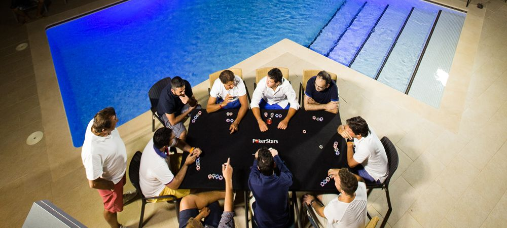 """Nadal a jucat cel mai """"periculos"""" meci de Poker! Cine pierde se arunca in piscina imbracat :)) VIDEO"""