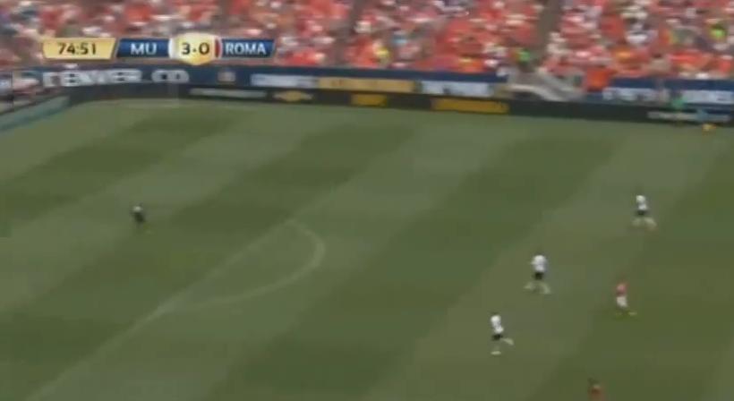 A luat mingea, s-a uitat la poarta, apoi a facut ASTA! Gol FA-BU-LOS Pjanici din propriul teren