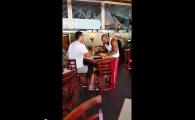 Curaj sau inconstienta? A intrat peste Klitschko in restaurant si a inceput sa-i manance din farfurie! VIDEO INCREDIBIL