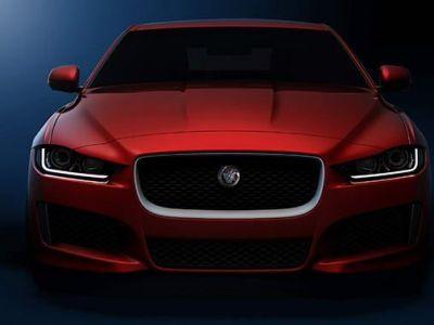 21:15 LIVE VIDEO Cea mai SPECTACULOASA lansare a anului: Jaguar XE, limuzina de 300 km/h si consum de 5%
