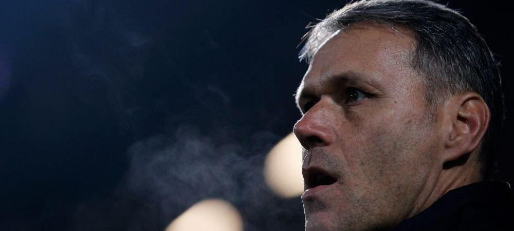 BLESTEMUL unui geniu al fotbalului! Van Basten, fortat sa se retraga din cariera de antrenor din cauza problemelor de sanatate?