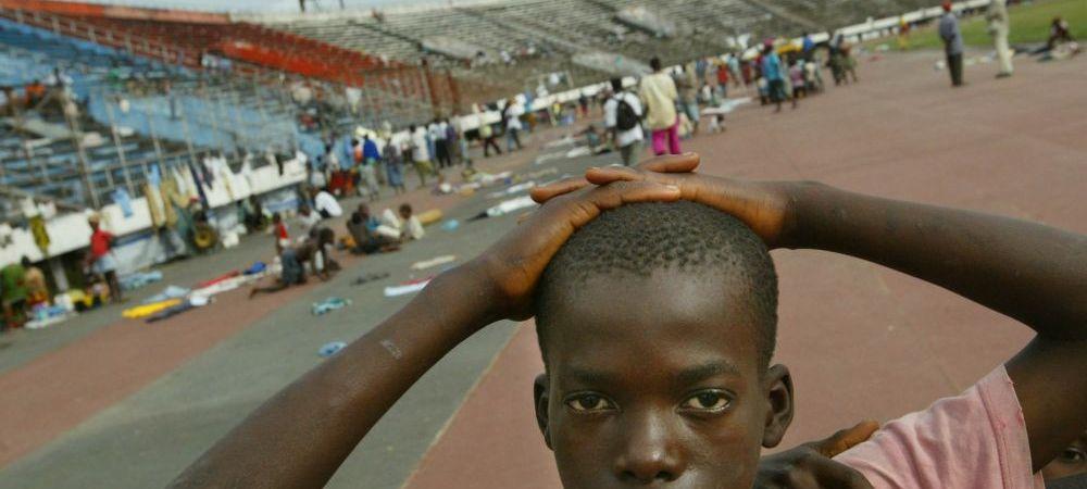FIFA se implica in lupta cu Ebola, care a ucis 2300 de oameni. Cum arata stadionul care va fi transformat in centre de tratament