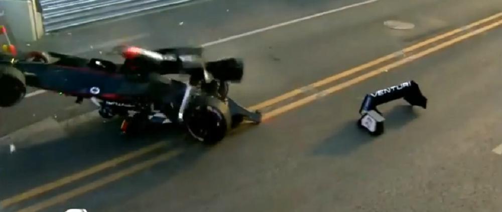 VIDEO Accident groaznic in prima cursa din Formula E, dupa ce baiatul lui Alain Prost si-a acrosat adversarul!