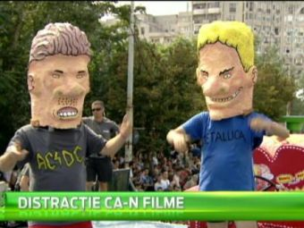Spectacol total pe strazile din Bucuresti. Vezi cele mai tari imagini de la Red Bull Soapbox! VIDEO